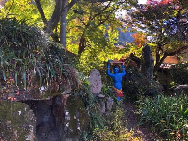 桃太郎神社の青鬼銅像