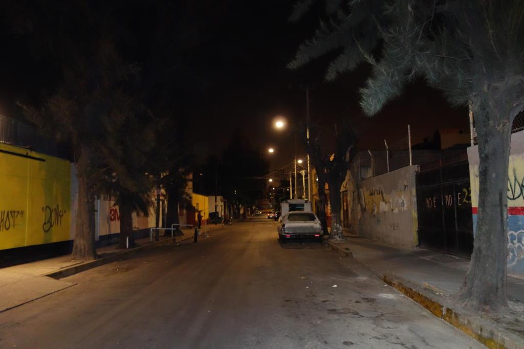 夜の治安が悪いメキシコシティ市街